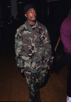 06-tupac.jpg
